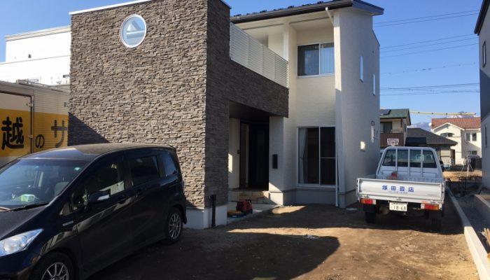 No.25:岩村田の新規分譲地に佇む家