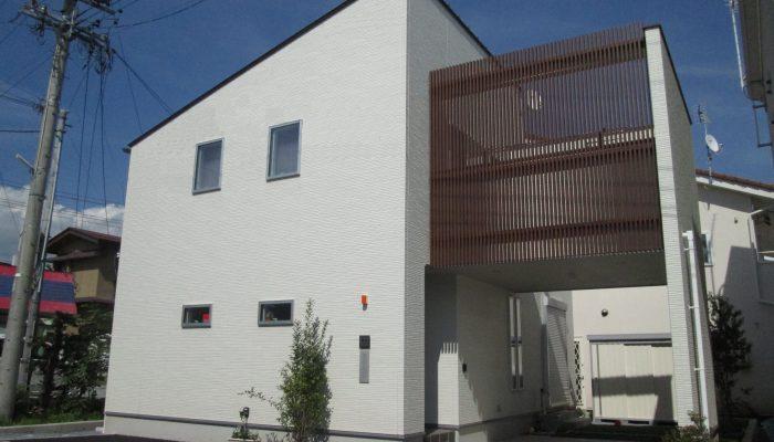 No15 : 佐久市長土呂の住宅街に佇む家